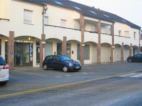 La laverie est située 8 Avenue de la Gare, 77230 Saint-Mard